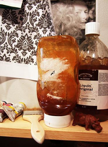 Heinz Top-Down Bottle Repurposed as Liquin Dispenser