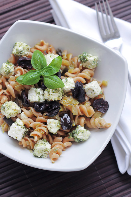 Feta, Pesto and Black Olives Pasta
