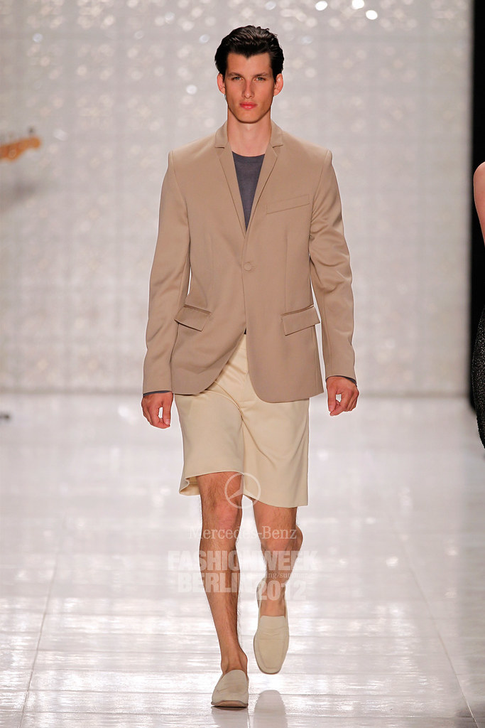 Julian Hennig3008_SS12 Berlin Fashion Week Kilian Kerner(Berlin FW)