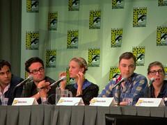 The Big Bang Theory (vagueonthehow) Tags: sdcc sandiegocomiccon kaleycuoco mayimbialik jimparsons thebigbangtheory johnnygaleck