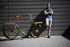 Cycle Chic Photo Shoot for Velorbis (Mikael Colville-Andersen) Tags: fashion bike bicycle copenhagen cycling photoshoot cycle bici chic kopenhagen fahrrad vélo københavn cykel copenhague köpenhamn mikaelcolvilleandersen cyclechic velorbis