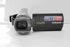Samsung HMX - Q10-1
