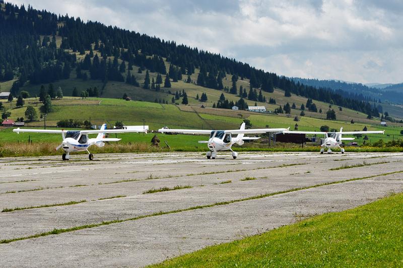 Suceava, Vatra Dornei - Aerodromul Floreni (LRFL) - Pagina 6 5993150594_201c7d77aa_o