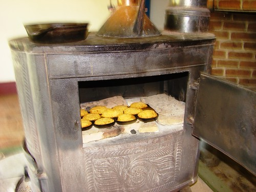 cooking in 1830's oven
