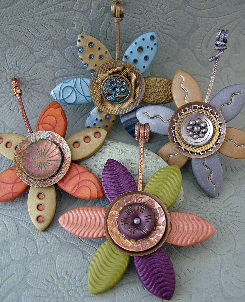 Vintage Button Flower Pendants