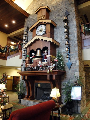 Glockenspiel. Inn at Christmas Place. Pigeon Forge.
