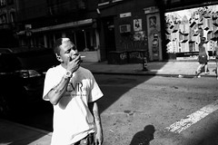 New York - Smoker #3 (Araakii) Tags: street new leica york nyc man zeiss 35mm soho rangefinder smoking littleitaly m9 biogon3528zm
