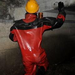 Viking-Kanal47 (Kanalgummi) Tags: underground rubber worker exploration sewer drysuit kanalarbeiter égoutier