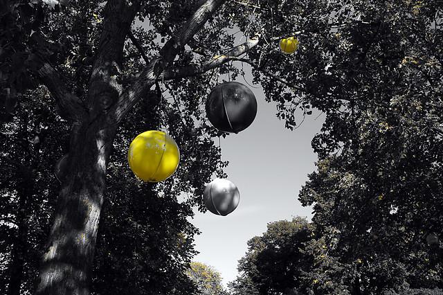 Yellow globe @ Djurgården