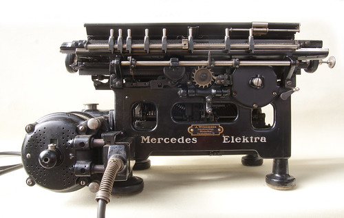 Mercedes Elektra Schreibmaschine