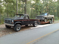 0827111939 (stevenbr549) Tags: ford chevrolet truck 4x4 f150 chevy trailer 1985 85 towing k10