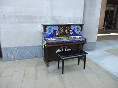 Piano, by Temple Bar