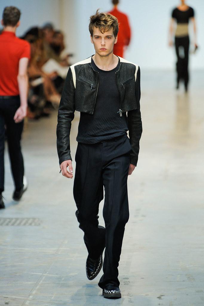 Lennart Richter3010_SS12_Milan_Costume National Homme(VOGUEcom)