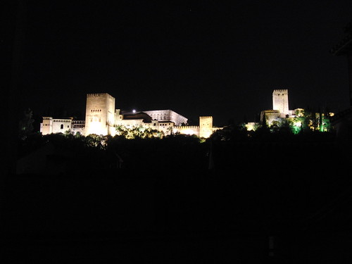 más alhambra, pero de noche