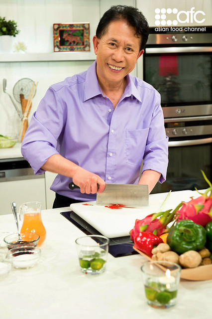 Featuring legendary chef martin yan on asian food channel missuschewy true passion martin yan 2 forumfinder Images