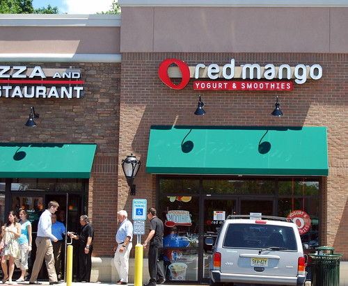 Red Mango - Outside