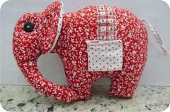 PAP elefante de tecido baixado na net. (Ateliê Mineiros e Mineirices) Tags: de em pap elefante tecido