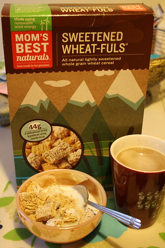 Mom's Best Naturals Sweetened Wheat-Fuls