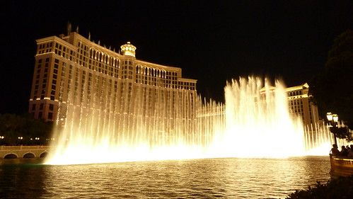image of the free fountains at the Bellagio in Las Vegas