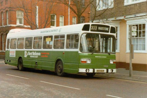 Maidstone & District 3903 SKN903R in Court Street Faversham 03/01/1987