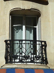 17-19 rue La Fontaine by Hector Guimard Wrought Iron Balcony (pov_steve) Tags: paris france architecture modern wroughtiron modernism artnouveau modernarchitecture guimard hectorguimard jugenstil wroughtironbalcony artnouveauarchitecture hectorgermainguimard 1719ruelafontaine