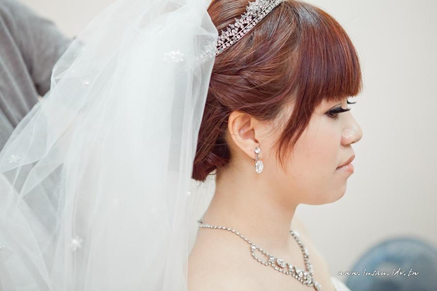 wed110619_079
