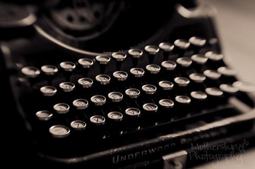 229:365老式打字机lensbaby爱