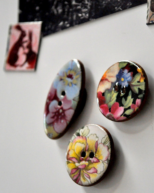 V&A Ceramic Button Magnets