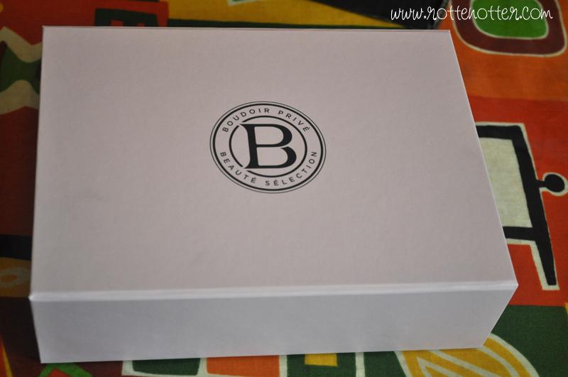boudoir prive august box 04
