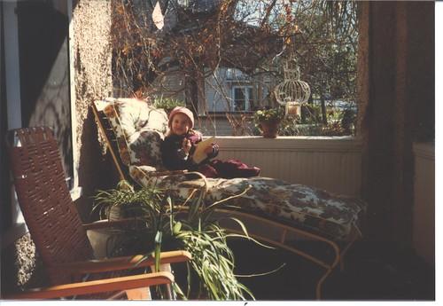 19841019 Gemma on the Jefferson Porch