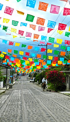Colorido Camino / Colorful Way (Jerry Silva) Tags: street people mexico town calle nikon colorful niceshot gente pueblo coolpix veracruz amateur p500 colorido xico colorphotoaward pueblomagico mygearandme ringexcellence flickrstruereflection1 jerrysilva