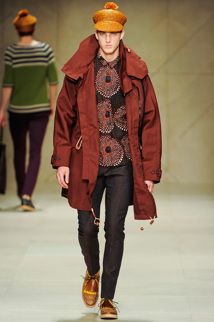 James Smith3409_SS12 Milan Burberry Prorsum(VOGUEcom)