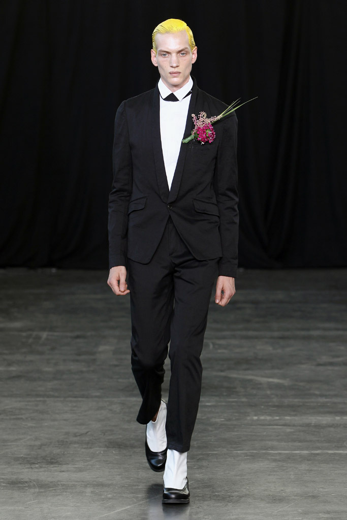 Paul Boche3276_SS12 Paris Songzio(Homme Model)