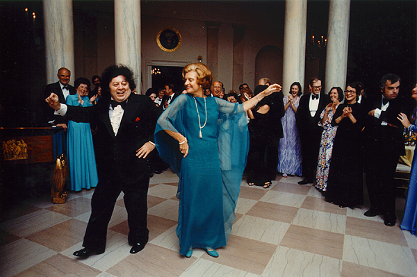 Betty Ford dancing with comedian Marty Allen, 1976 (Courtesy University of Texas)