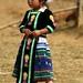 Usando roupas típicas de seu povo