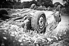 Turtle (Tobers) Tags: pictures uk england cars sports car sport daisies photography upsidedown photos shots pics crash fast racing surrey photographs photograph flip roll wreck inverted bangers motorsport flipped rolled barbarians andrewtobin leicam9 slikimages andytobin smallfieldraceway zeiss250planar