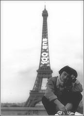 """GIROVAGANDO - PARIGI 1989 (Camarlinghi Duilio """"Cama"""") Tags: paris 1989 parigi girovagando francabondioli fotodicama bondiolifranca fotografiadiduiliocamarlinghi"""