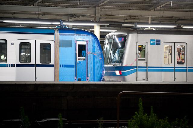 東京地下鉄15000系15113F搬入回送 長い20両編成