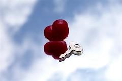 Schlssel zum Herzen (anirbas_84) Tags: sky love mirror key heart spiegel schlssel himmel herz liebe