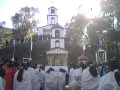 En la cordillera celebrando a la Virgen del Carmen by manuel guerrero