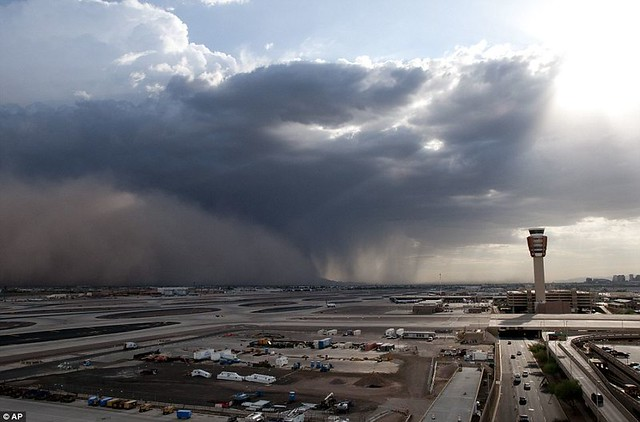 Day the sky turned brown 3,000ft high dust cloud rolls across Arizona AGAIN  2