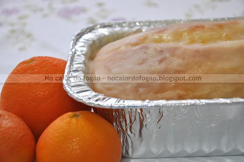 Bolo de limão-cravo