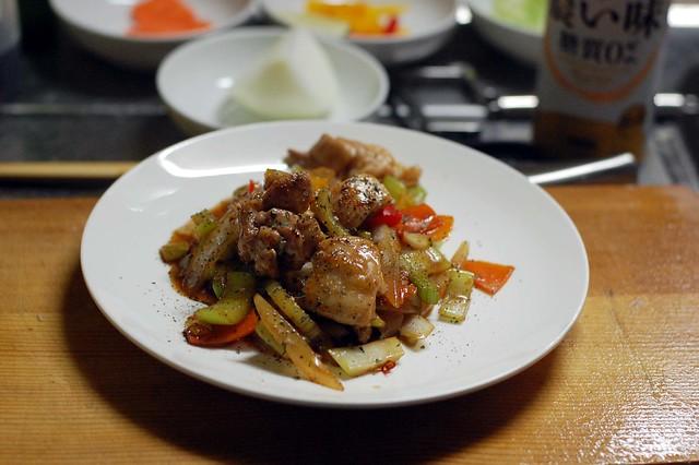 鶏モモとセロリのナンプラーオイスターソース炒め!ご飯がすすむ! #gohan