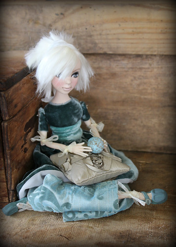 Birdy art doll