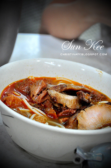 Sun Kee Restaurant (新記餐廳) Grilled Pork Neck Meat Instant Noodles With Cheese (豬頸肉芝士撈丁)