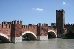 Castelvecchio Bridge, Verona, Italy (H Svendsen) Tags: bridge italy castle gothic verona castelvecchio adige veneto