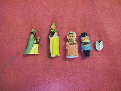 These are the ornaments I found at the yard sale. I thought it was a full Nativity until I looked closer.
