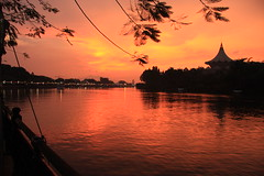 tramonto sul sarawak river (francesco salustri) Tags: river tramonto sarawak borneo malesia francesco salustri francescosalustri kuchingtramontofrancescosalustriborneomalesiariversarawak