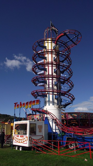 Burnt Island funfair 03