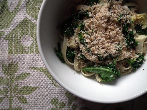 Artichoke, kale, and white bean fettucine (with breadcrumb topping)